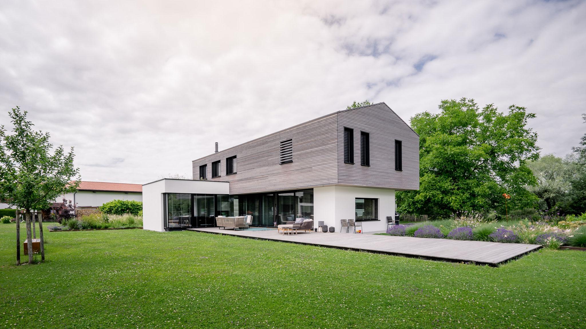 portfolio-bauunternehmen-fuch-einfamilienhaus-surheim-5.jpg