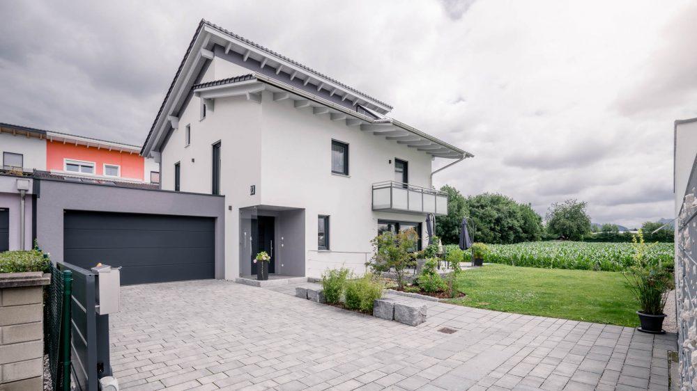 portfolio-bauunternehmen-fuch-einfamilienhaus-freilassing-1.jpg