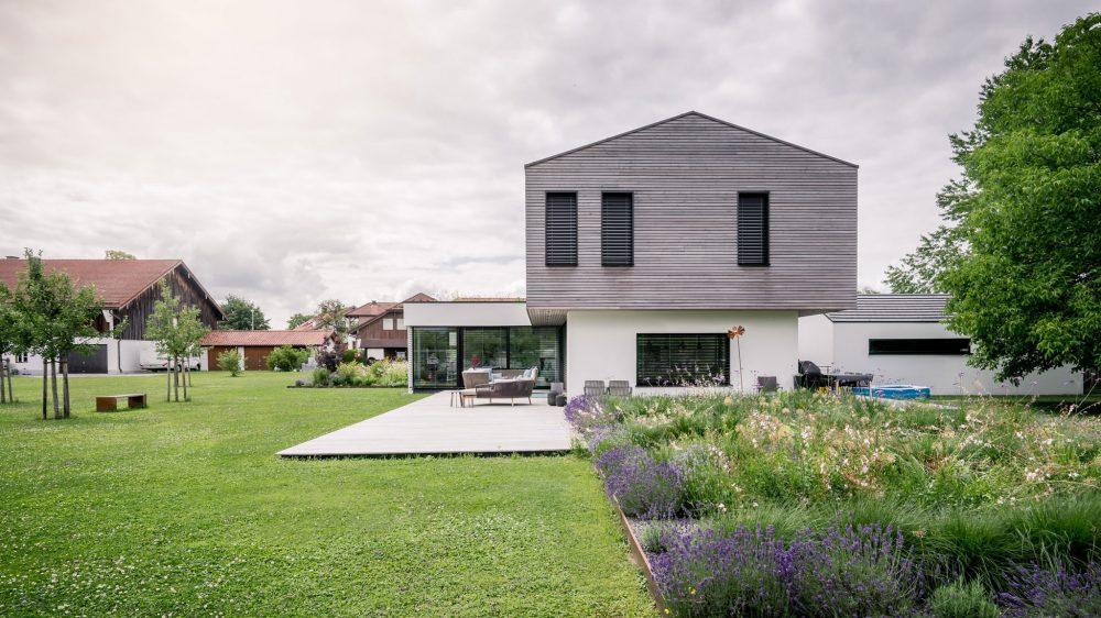 portfolio-bauunternehmen-fuch-einfamilienhaus-surheim-4.jpg