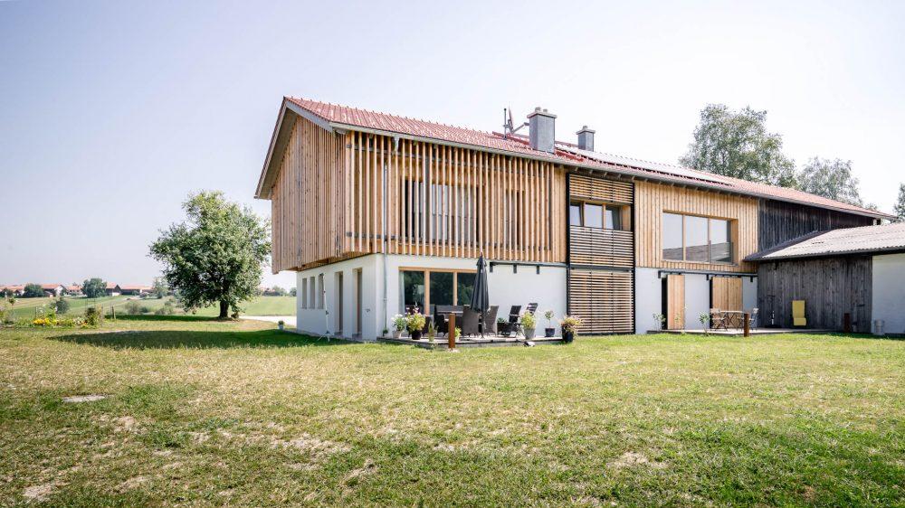 portfolio-bauunternehmen-fuch-einfamilienhaus-wiederaufbau-kirchanschöring-3.jpg