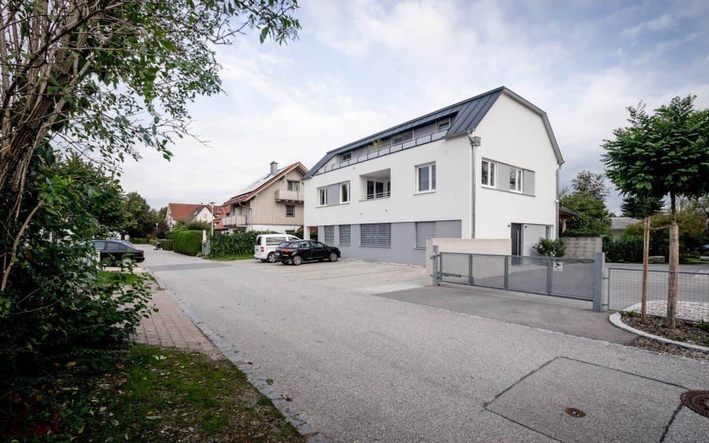 portfolio-bauunternehmen-fuch-geschäftsgebäude-laufen-2.jpg