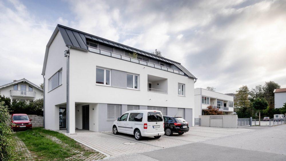 portfolio-bauunternehmen-fuch-geschäftsgebäude-laufen-3.jpg